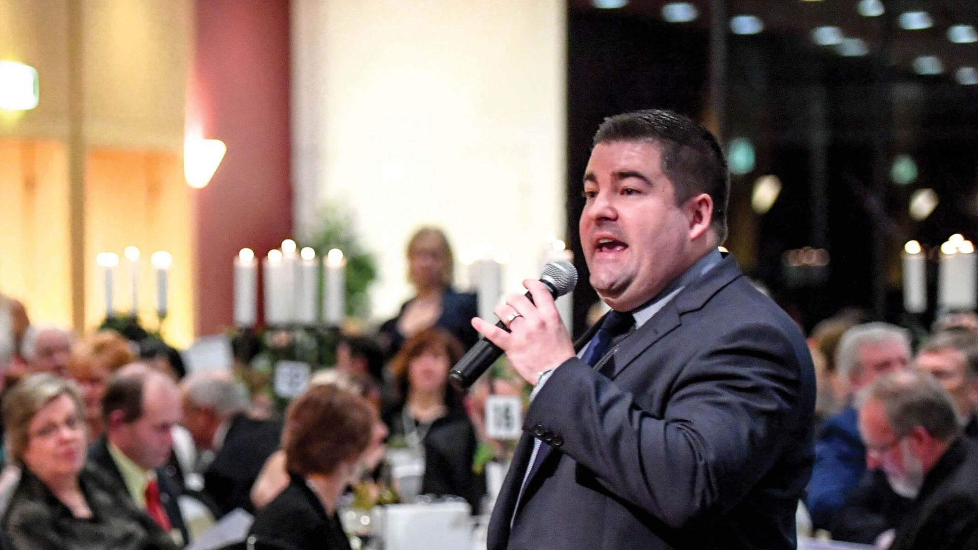 Book a Charity Auctioneer